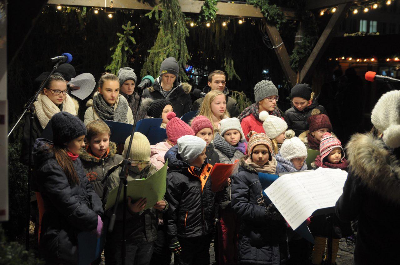Adventsingen auf dem heilbronner Weihnachtsmarkt 2016